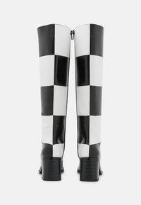Monki - POLLY BOOT VEGAN - Boots - white light - 3