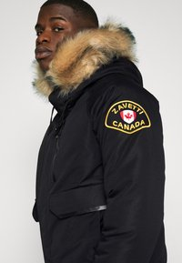 Alessandro Zavetti - CANADA ABELLI TECH - Zimní bunda - black - 4