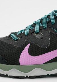 Nike Performance - JUNIPER TRAIL - Zapatillas de trail running - off noir/beyond pink/seaweed/aurora green/spiral sage/light silver - 5