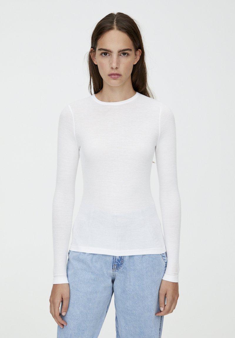 PULL&BEAR - LONGSLEEVE - Bluzka z długim rękawem - white