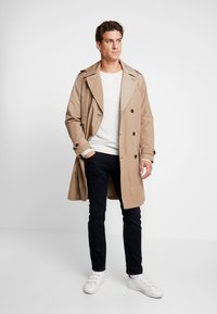 Tommy Hilfiger - HOODED TRENCHCOAT - Trenchcoat - grey - 1