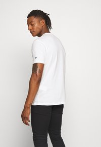 Emporio Armani - T-shirt basic - white - 2