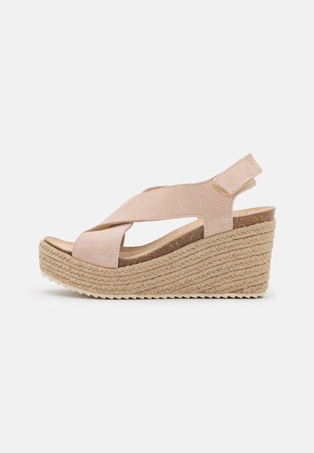 Platform sandals - nude