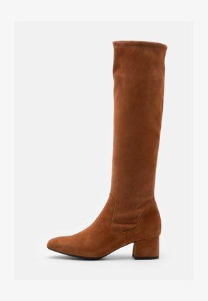 TOMKE - Vysoká obuv - peanut