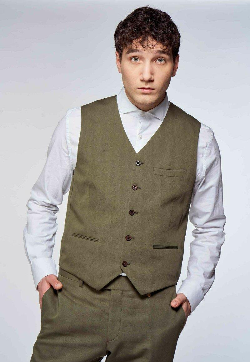 MDB IMPECCABLE - Suit waistcoat - khaki