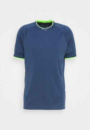 CHALLENGER TRAINING  - Print T-shirt - admiral