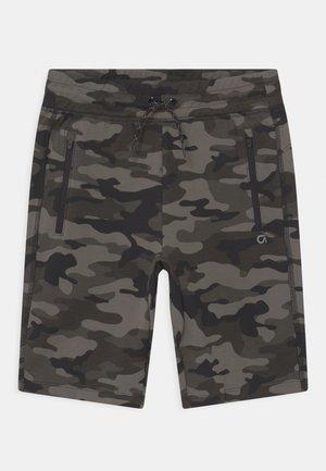 BOY FIT TECH - Shorts - black