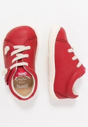 PEU CAMI - Zapatos de bebé - red