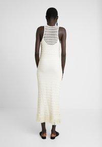 Object Tall - OBJFIKA DRESS - Vestido de tubo - gardenia - 3