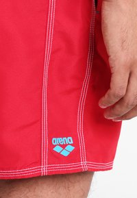 Arena - FUNDAMENTALS SOLID - Swimming shorts - red/turquoise - 2