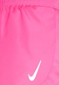 Nike Performance - TEMPO RACE SHORT - Pantalón corto de deporte - hyper pink/silver - 2