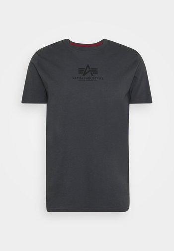 BASIC - T-shirt z nadrukiem - greyblack