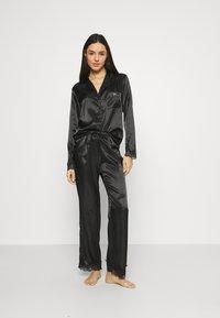 Boux Avenue - DARCIE REVERE PANT SET - Pyjamas - black - 0