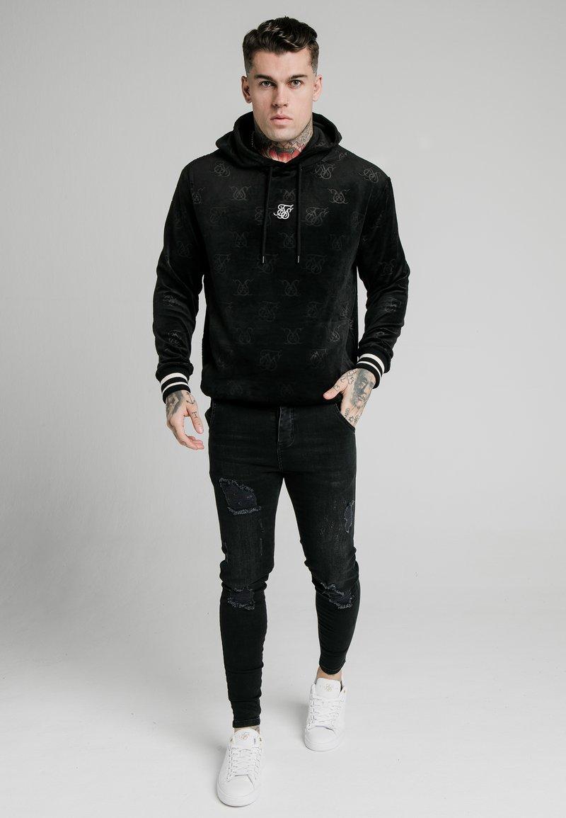 SIKSILK - Hoodie - jet black