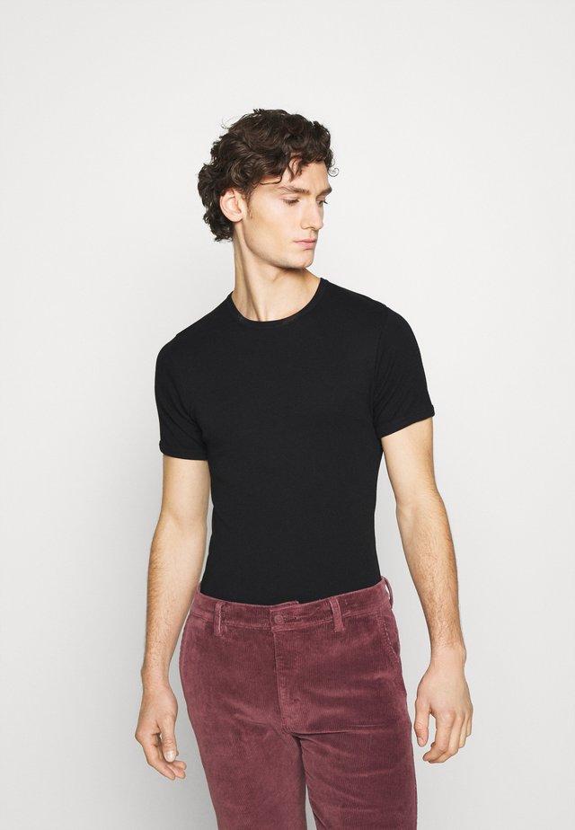 PLUTO - T-shirts basic - black