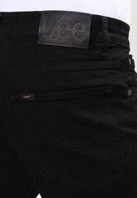 Lee - BROOKLYN  - Jeansy Straight Leg - clean black - 4