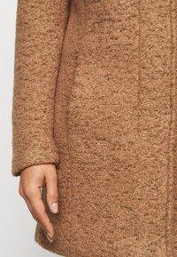ONLY Petite - ONLNEWSEDONA COAT - Classic coat - toasted coconut melange - 5