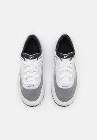 Nike Sportswear - WAFFLE ONE UNISEX - Sneakers laag - summit white/white/black/orange - 3