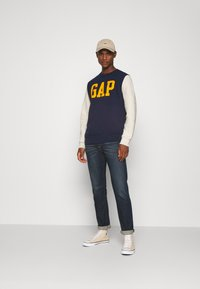GAP - FAMILY MOMENT CREW - Sweatshirt - navy uniform - 1
