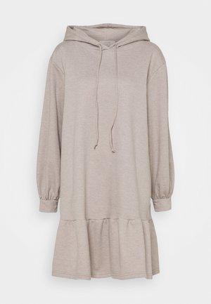 ALLI DRESS - Denní šaty - silver mink