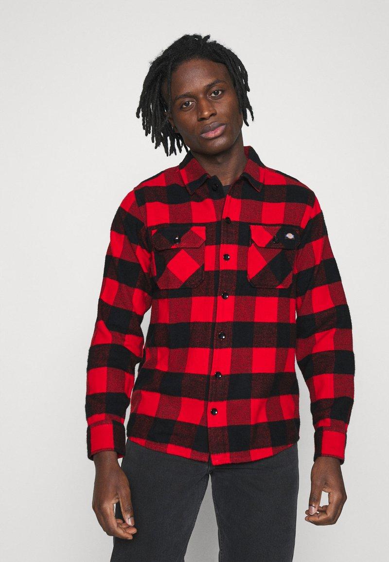 Dickies - NEW SACRAMENTO - Shirt - red