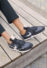 Nike Sportswear - DBREAK TYPE UNISEX - Trainers - black/white - 2