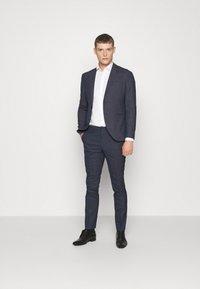 Selected Homme - SLHSLIM MAZELOGAN - Suit - medium blue melange - 1
