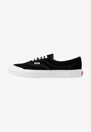 ERA TC - Zapatillas - black/true white