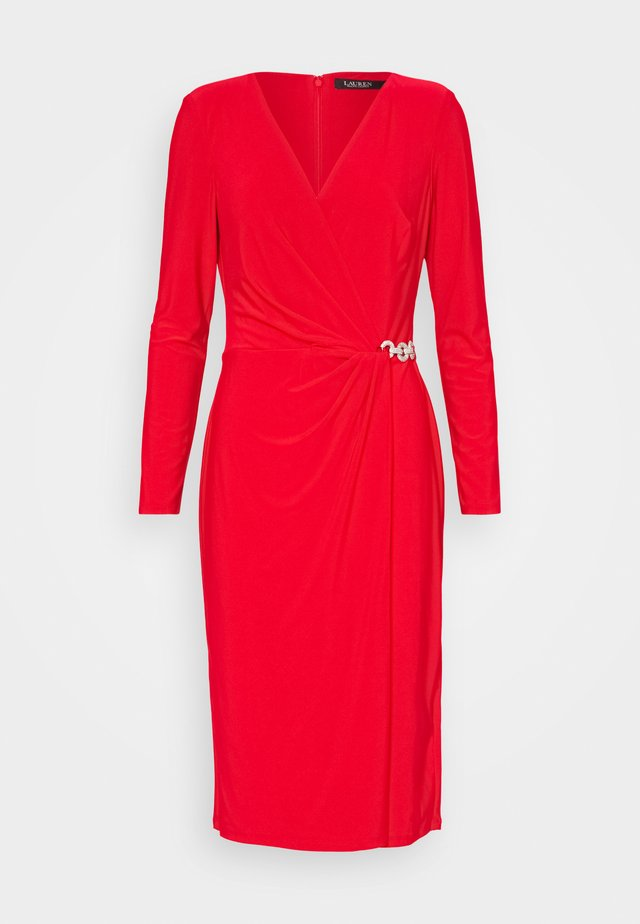 Sukienka koktajlowa - lipstick red