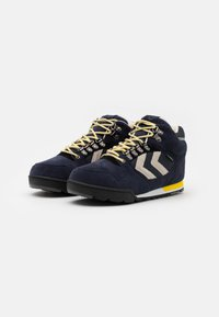 Hummel - NORDIC ROOTS FOREST MID UNISEX - Sneakersy wysokie - dress blue - 1