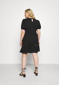Vero Moda Curve - VMOILA ABOVE KNEE DRESS - Žerzejové šaty - black - 2