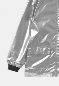 Petit Bateau - RECYCLED LAETICIA CIRE - Waterproof jacket - argent - 2