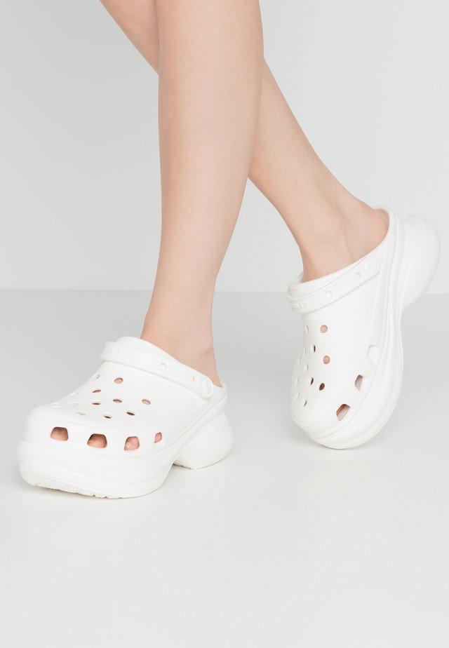 CLASSIC BAE  - Sandalias - white
