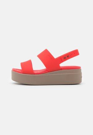 BROOKLYN LOW WEDGE - Platform sandals - flame/mushroom