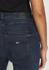 Tommy Jeans - SYLVIA HIGH RISE SUP SKY - Jeans Skinny Fit - dark-blue denim - 5