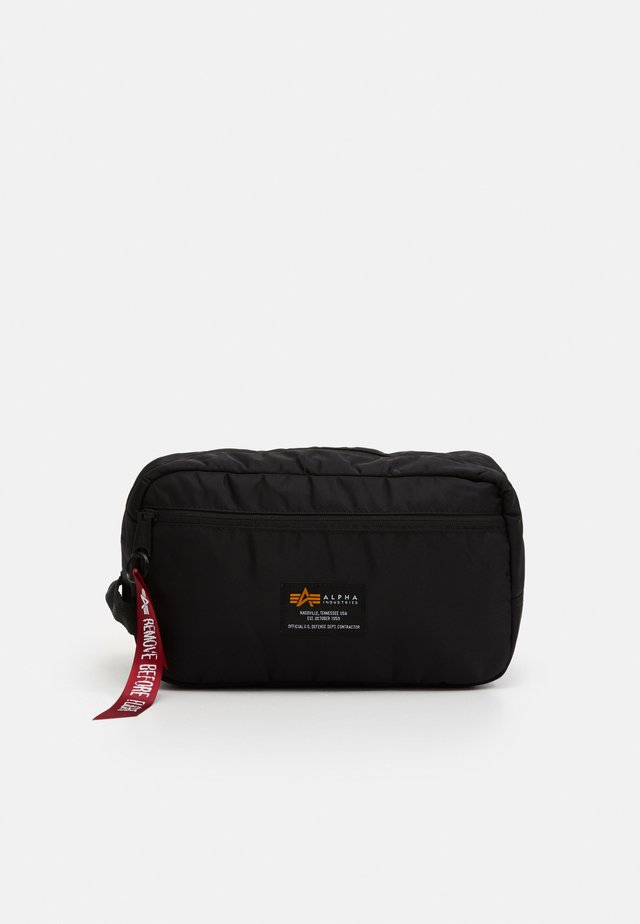 CREW TRAVEL BAG UNISEX - Trousse de toilette - black