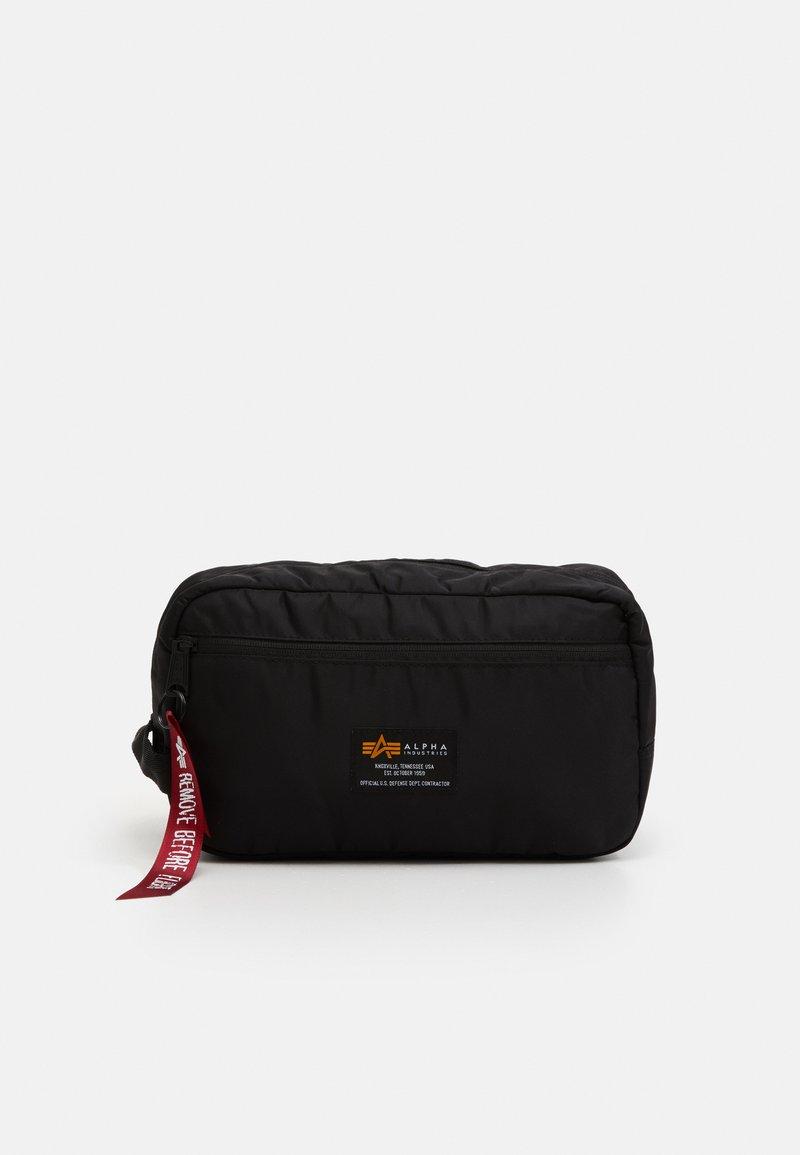 Alpha Industries - CREW TRAVEL BAG UNISEX - Wash bag - black