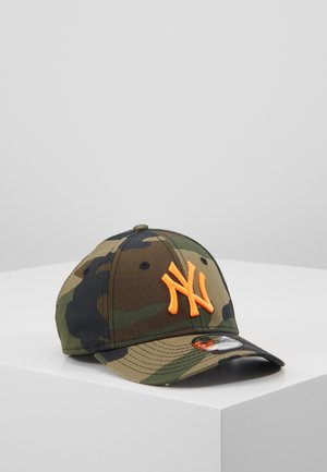 KIDS CAMO ESSENTIAL 9FORTY - Pet - green
