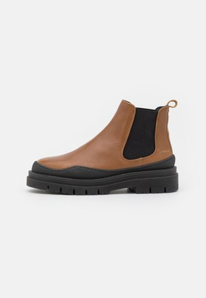 CPH735  - Platform ankle boots - caramel