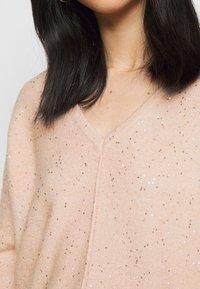 Wallis Petite - V NECK JUMPER - Pullover - blush - 4