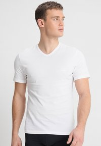 BOSS - 3 PACK - Undershirt - mix - 2