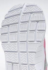 Reebok - REEBOK XT SPRINTER SHOES - Chaussures de running neutres - silver - 8