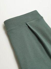 Mango - MONACO - Tracksuit bottoms - verde medio - 1