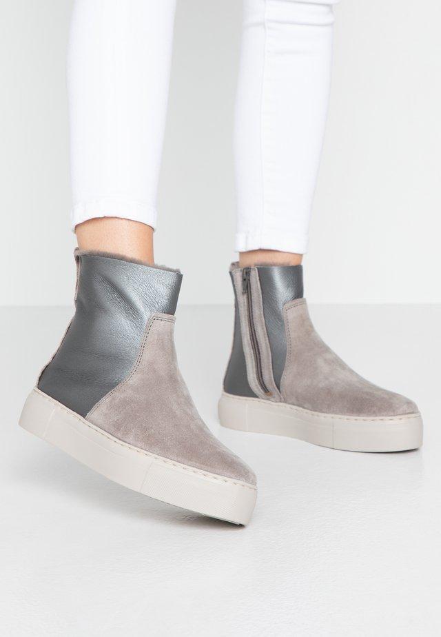 MALMÖ - Platform ankle boots - grey/silver