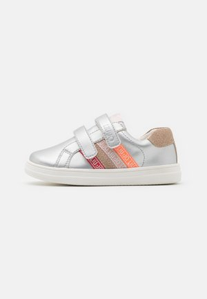 MINI ALICIA - Sneakers laag - white