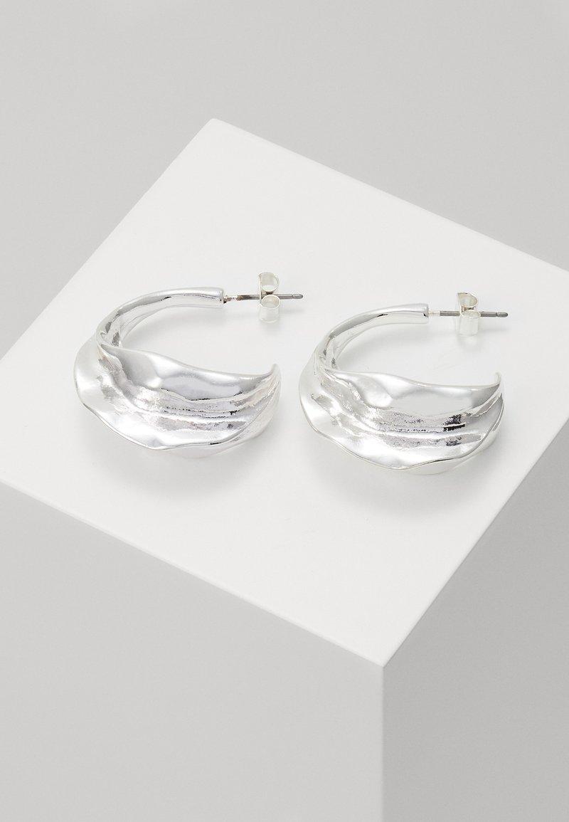 Weekday - TRINE HOOPS - Earrings - silver-coloured