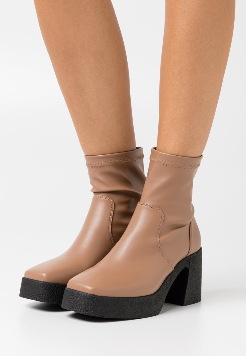 Rubi Shoes by Cotton On - ZAZA PLATFORM BOOT - Platform ankle boots - tan