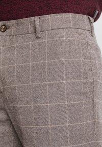 Tommy Hilfiger Tailored - SLIM FIT WINDOWPANE FLEX PANT - Pantaloni - brown - 3