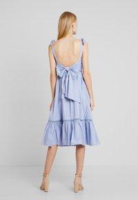 By Malina - JEANNI DRESS - Hverdagskjoler - ocean blue - 3