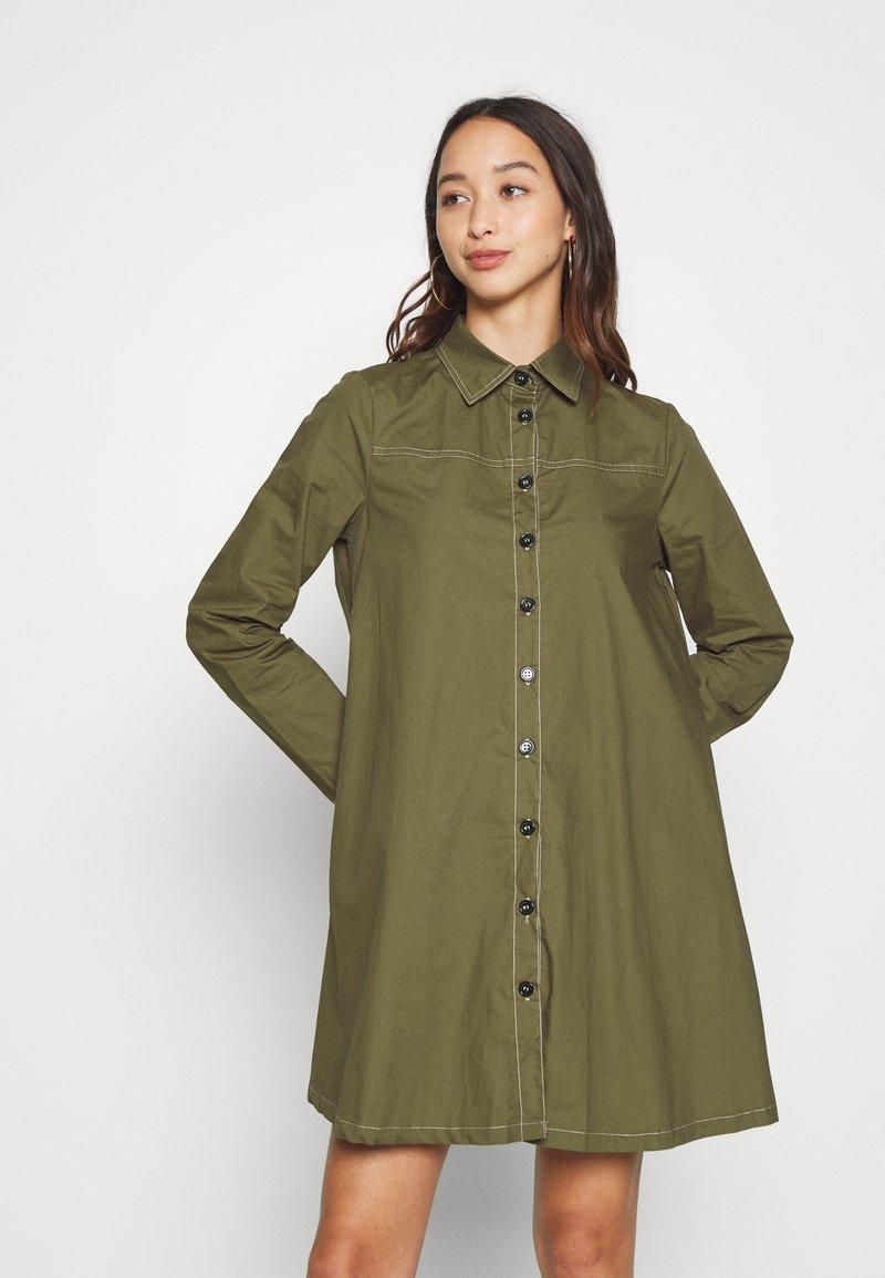 Missguided - CONTRAST STITCH DRESS - Shirt dress - khaki